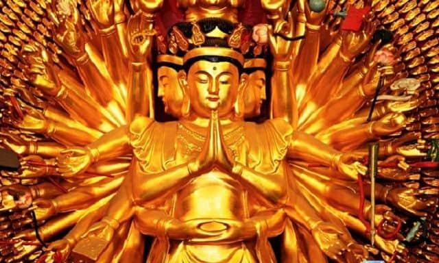 Quan Âm Thiên Thủ Bồ Tát là vị Phật độ mạng cho người tuổi Tý