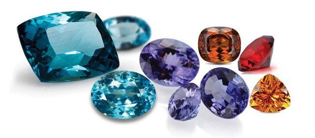 Đá phong thủy gồm nhiều loại với màu sắc đa dạng