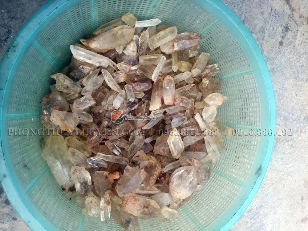 Thạch anh tinh thể trải móng nhà