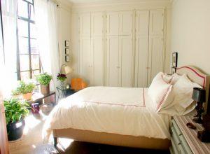 Hoa tươi không nên được đặt trong phòng ngủ