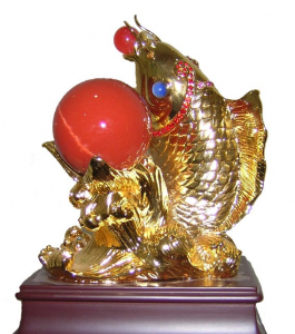 """Ý nghĩa của tranh thêu, tượng ngọc """"Cá Chép Ngậm Ngọc"""""""