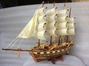 Nguồn gốc của thuyền buồm gỗ phong thủy