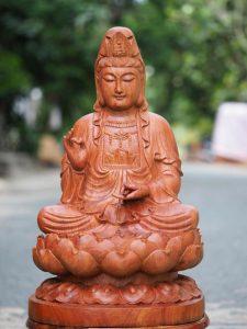 Ý nghĩa của việc thờ cúng tượng gỗ Quan Thế Âm Bồ Tát