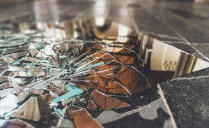 Chiếc gương theo quan niệm dân gian và phong thủy